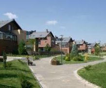 Мы поможем купить дом в коттеджном поселке в Украине