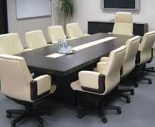 Стол для переговоров — особенности выбора